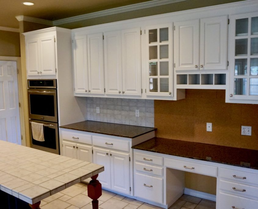 Kitchen Cabinet Painting With Blue Accent Island